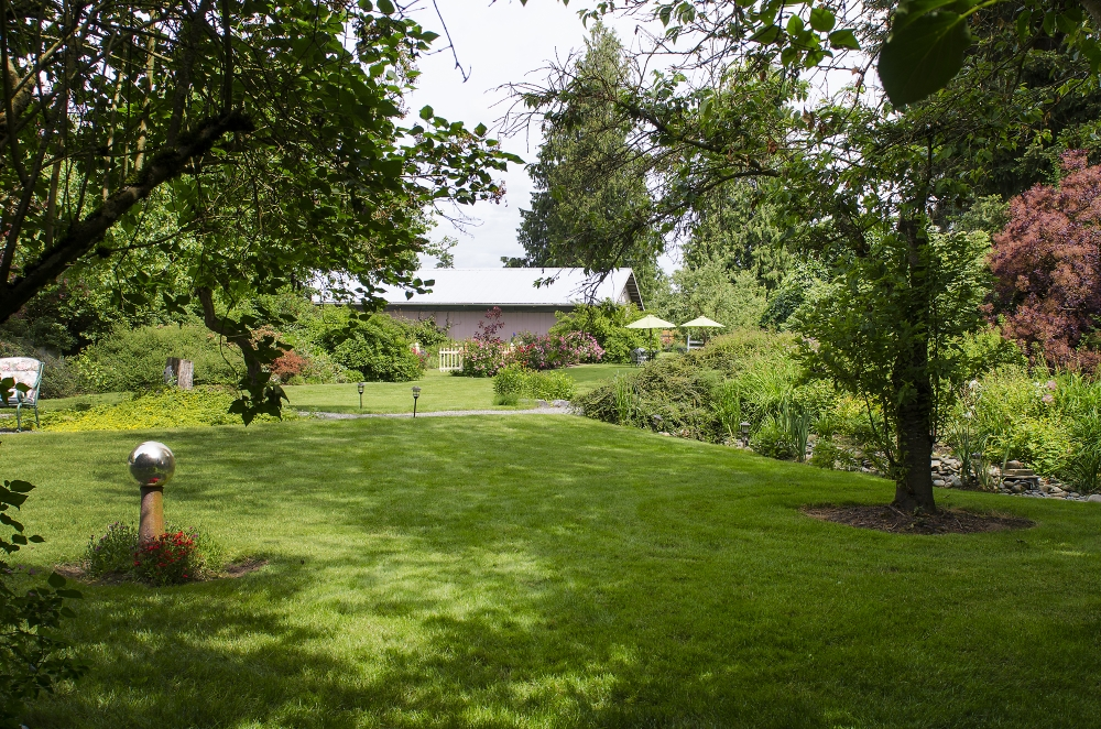 The Estate | Stepping Stones Garden
